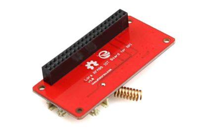LoRa RFM95 IoT board voor Raspberry Pi schuin onder